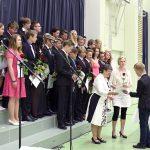 Peruskoulun päättötodistuksen saaneita 9.-luokkalaisia oli kaikkiaan 28. (kuva: Tuomo Hyttinen)