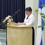 Rehtori Jaana Hartus kiitti jokaista oppilasta kuluneesta kouluvuodesta. (kuva: Tuomo Hyttinen)