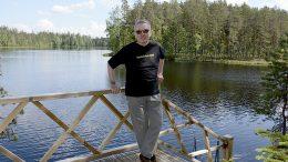 Harald Relanderin mökki valmistui Kuhmoisiin Iso-Tenhetyn rantaan vuonna 2011.  Kuva: Anna Karhila.