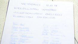 Torstaituvasta alkunsa saaneessa vetoomuksessa on noin 35 nimeä.