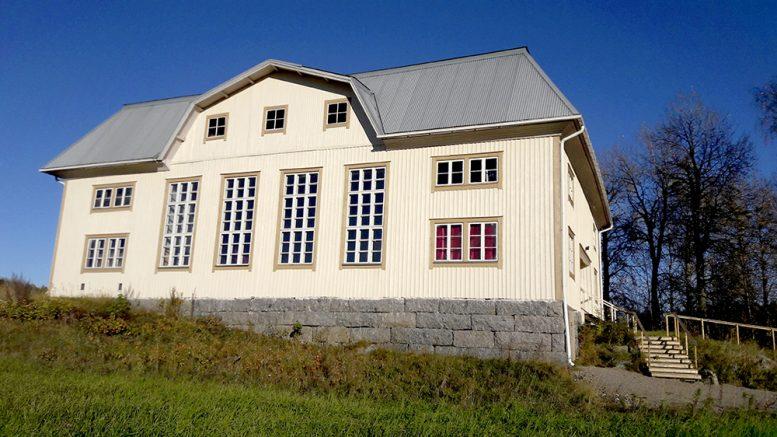 Kuhmoisten työväentalo osallistui Suomen kaunein työväentalo -kilpailuun tällä kuvalla. Kuva Ulla Salmi.