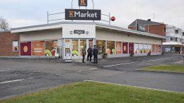 Elina ja Kalle Uimonen jatkavat K-Market Kipparin kauppiaina siihen asti, kunnes uusi kauppias aloittaa.