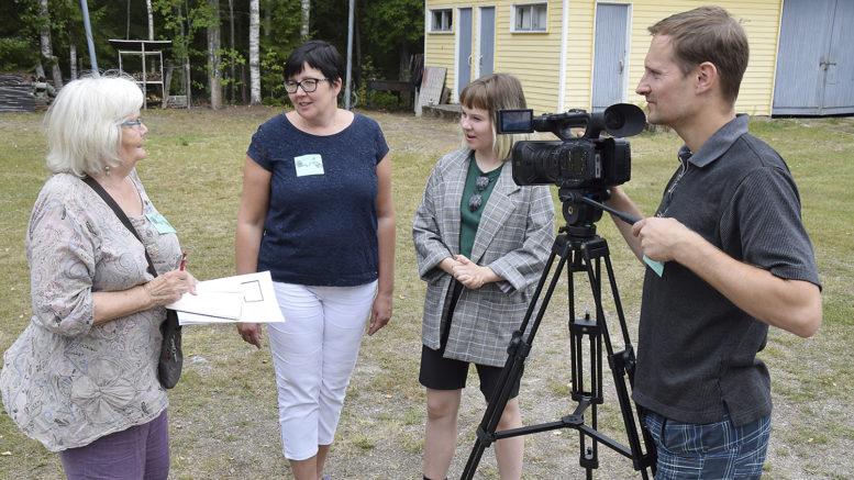 Elokuvafestivaalin työpajassa oman lyhytelokuvan tekemistä kokeilivat muun muassa Sylvi Hosio, Merja Koski, Marjaana Lahti ja Markus Kopponen.