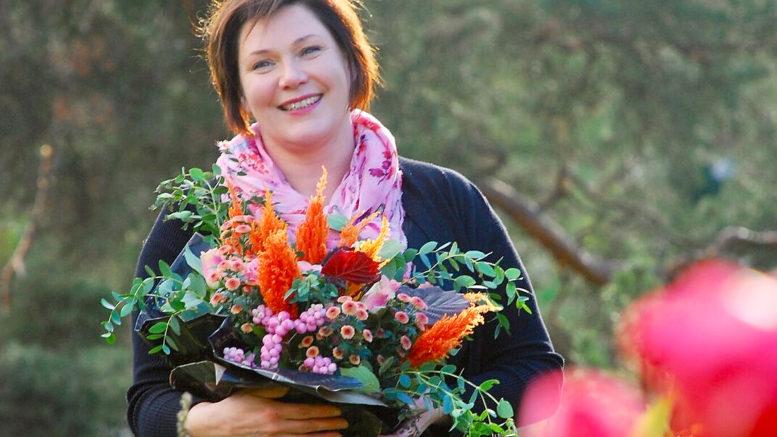 Taina Hinskala aloitti kautensa Kukkakauppiasliiton puheenjohtajana heti tällä viikolla. Kuva: Minna Penttala